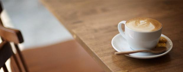 Pět šálků kávy denně? Je to zdraví prospěšné