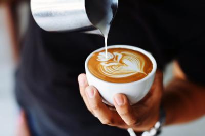 Bezkofeinová káva vypadá úplně stejně, jako s kofeinem.
