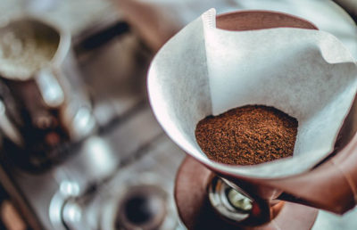 Káva v papírovém filtru