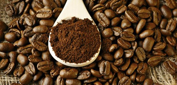 Pomletá káva vydrží čerstvá jen velice krátkou dobu.