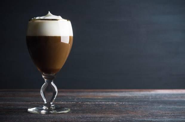 Konzistence šlehačky je u irské kávy klíčová