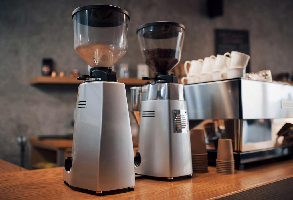 Podle čeho si vybrat mlýnek na kávu?