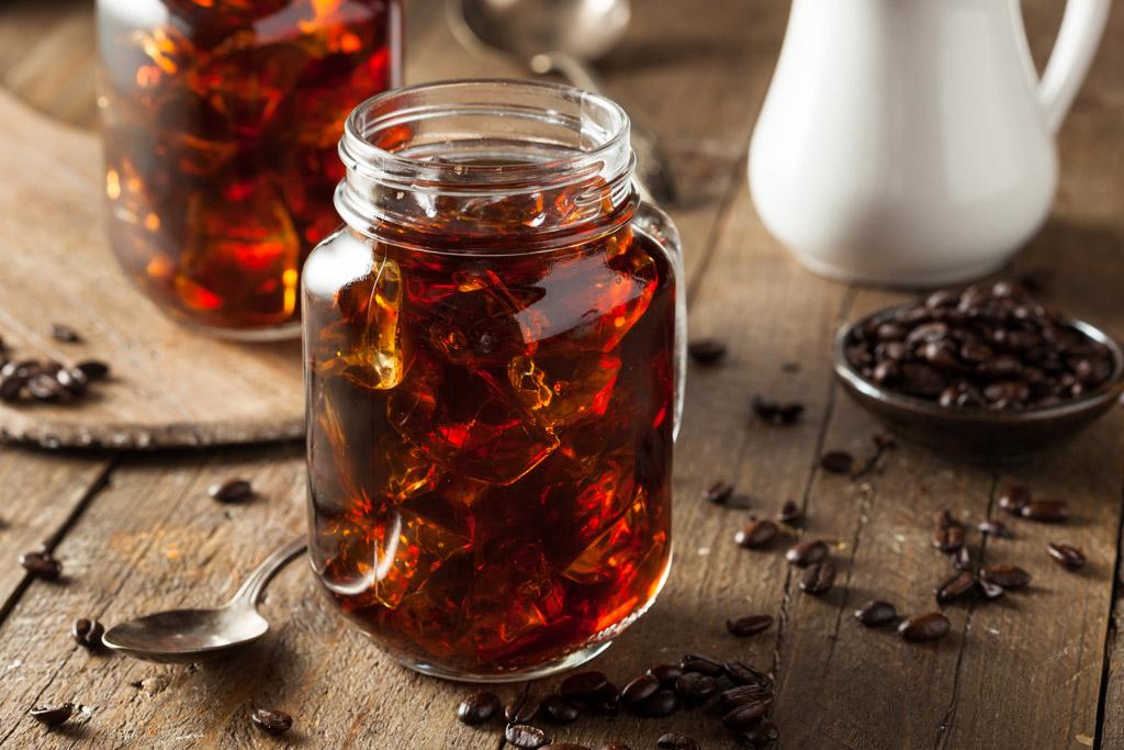 Ledová káva – 9 nejlepších receptů na osvěžení, které dobije baterky