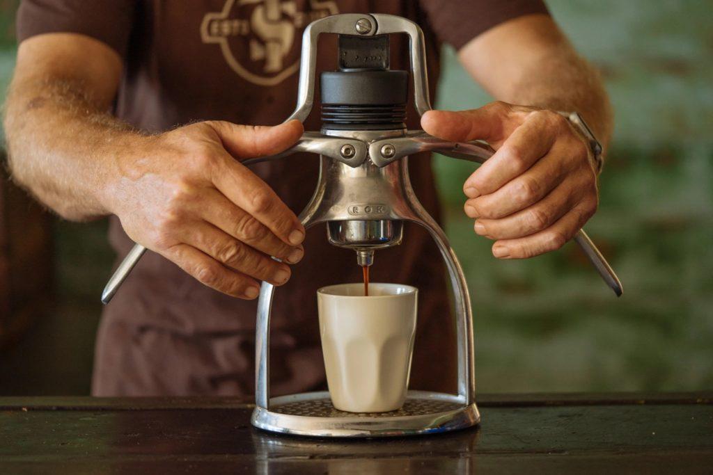Pákový presovač ROK Espresso Maker a ROK EspressoGC. Protlačte si espresso vlastníma rukama!
