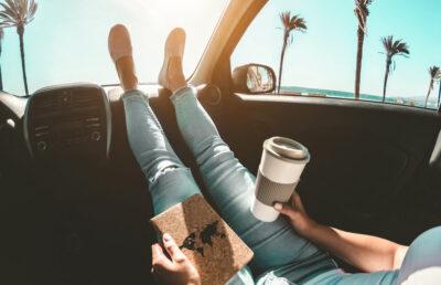 Dopřejte si kvalitní kávu i na cestách aneb vybíráme cestovní kávovar nejen do auta