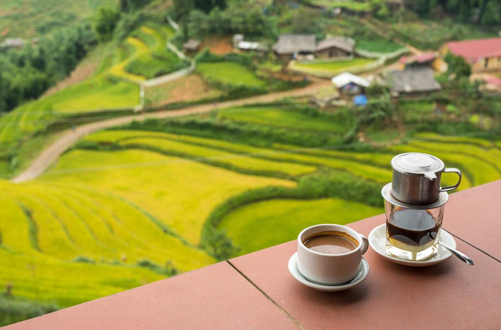 Vietnamská káva má být silná a sladká. Jak ji správně připravit?